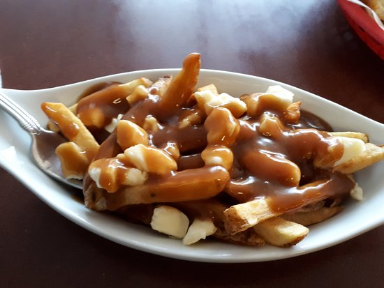 Tor's Fish & Chips: Small Poutine
