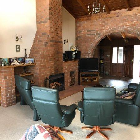 Morepork Riverside Lodge: photo2.jpg