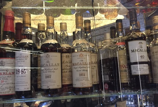 The Wellesley Knightsbridge, a Luxury Collection Hotel, London : Some serious Macallan single malts