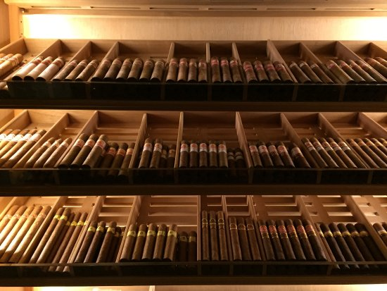 The Wellesley Knightsbridge, a Luxury Collection Hotel, London : Inside the humidor