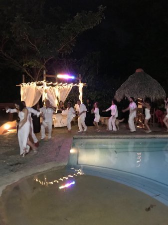 Mango Rosa Nicaragua: Party