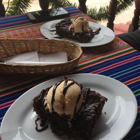 Coffee Tree: Brownies and ice cream!