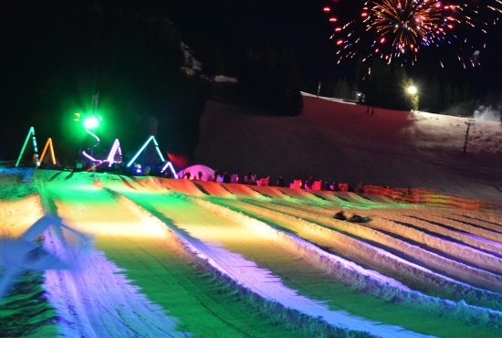 Government Camp, Όρεγκον: Cosmic Night Tubing, Conveyor Assisted!