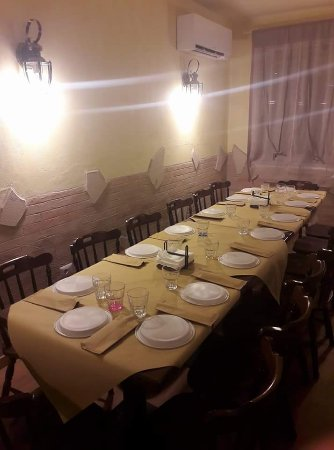 Pieve Torina, Italien: Una tavolata