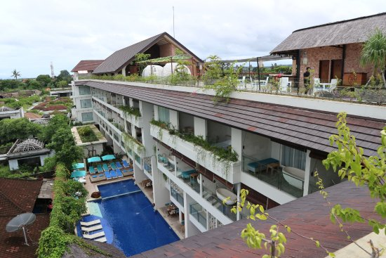 Kedonganan, Indonesia: Foto pemandangan dari Rooftop Hotel pada 18 Desember 2017 :)