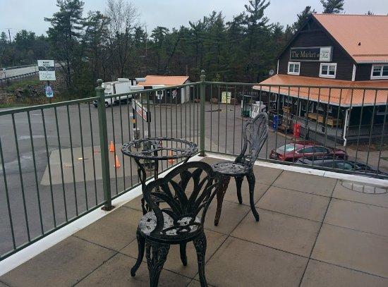 Room Balcony Burleigh Falls Inn