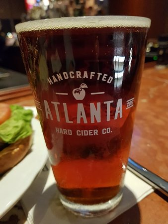 Renaissance Concourse Atlanta Airport Hotel: 20180107_191536_large.jpg