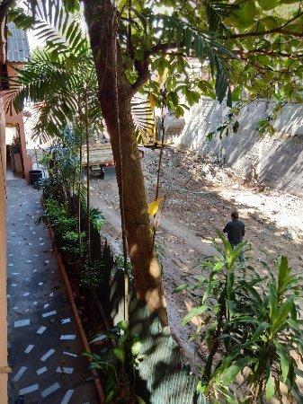 Chaweng Chalet Resort: IMG_20180108_104425_large.jpg