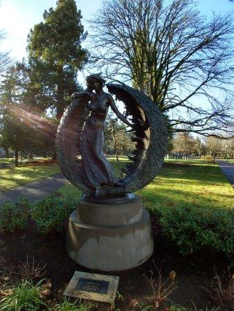 University of Oregon: IMG-20171231-WA0009_large.jpg