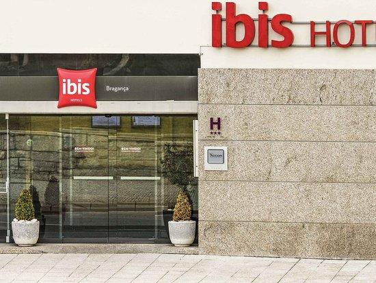 Hotel Ibis Braganca: Exterior