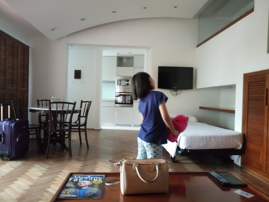 Goodwood Park Hotel: Living Room/Dining Room/Kitchenette