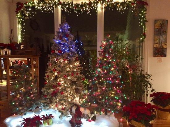 Sooke Harbour House Resort Hotel: Christmas decor