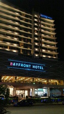 ベイ フロント ホテル セブ