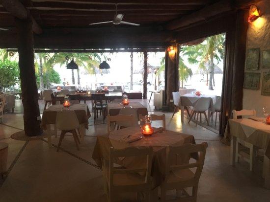 Holbox Hotel Casa las Tortugas - Petit Beach Hotel & Spa: breakfast and dinner area