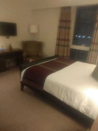 Staybridge Suites London-Stratford City: Bed