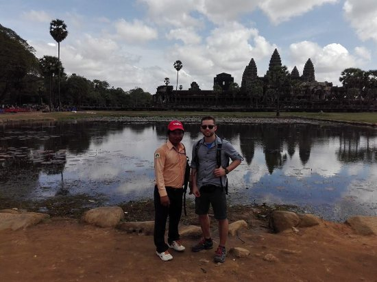 Happy Angkor Guides