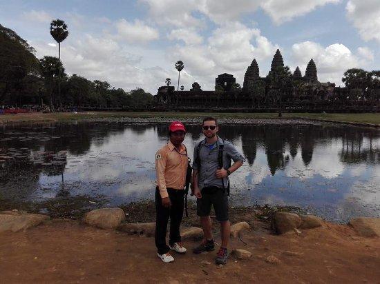 Happy Angkor Guides