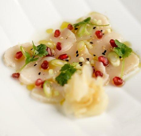 Cuisine Impuls sashimi of scallops. photo: eirik nilssen, matbyrået impuls