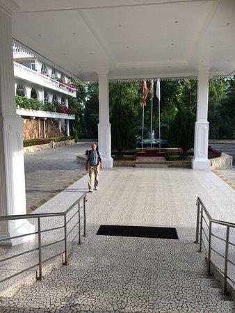 Embilipitiya, Sri Lanka: De ingang