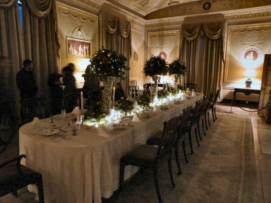 Basildon Park: DINING-JUST LIKE HOME?