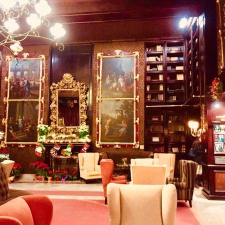 Hotel Geneve Ciudad de Mexico: Old CDMX maps & cosy refinement