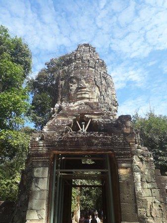 תמונה מCambodia Angkor Tours