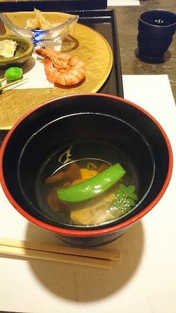 Ryoteikaiseki Soga: 前菜とお椀(美味しいです)