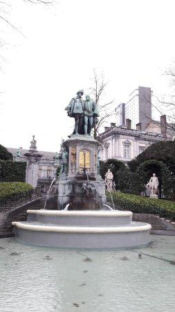 Jardin du Petit Sablon: Sur place