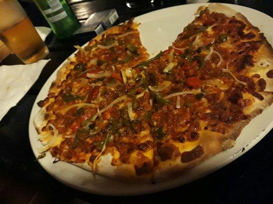 Ramsgate, Südafrika: Mexican Pizza. Toilet roll in the deepfreeze people!