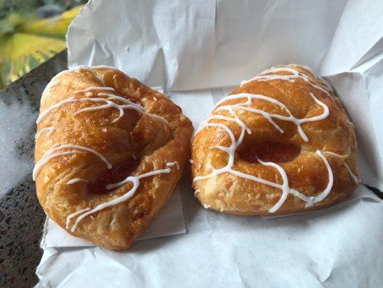 Kona Cafe: Guava Pastry