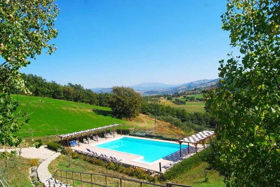 Carbonesca, Italie : The Pool with a view - family holidays at Villa Pian Di Cascina