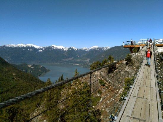 Sea to Sky Gondola: Die Hängebrücke mit Blick in den Sound