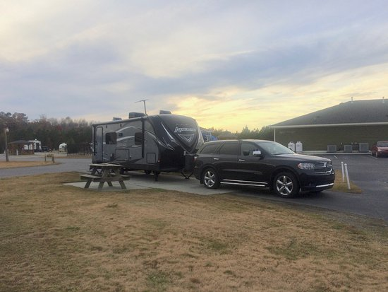 Roanoke Rapids, Carolina del Norte: Our site at RV resort and campground.