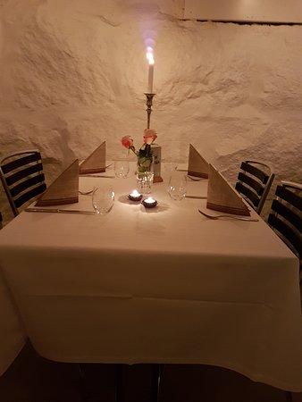 Strand Municipality, Norway: Dekket bord