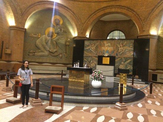 Visita monitorada noturna na Basílica