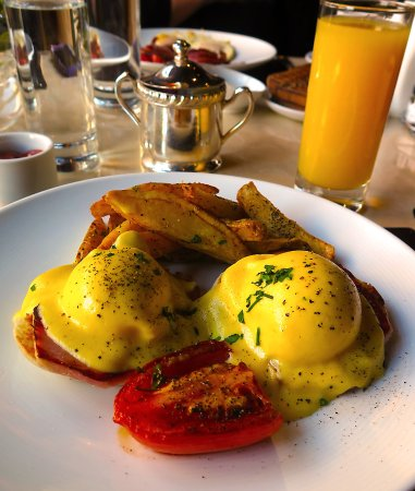 The St Regis Restaurant Decanter Washington Dc Breakfast Crab