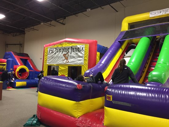 East Brunswick, Nueva Jersey: Slide and bounce house