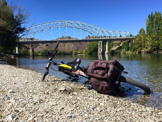 Omakau, New Zealand: Just off the trail