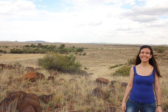 Bethulie, South Africa: View of the surrounding karoo with farmhouse in the background