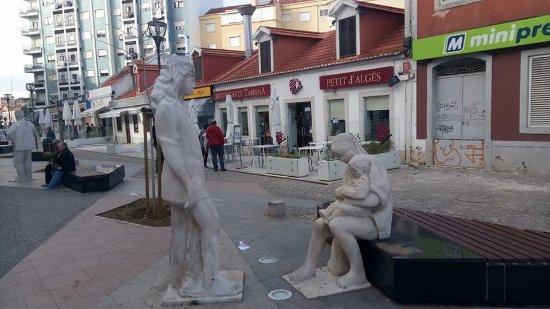 Estremadura, Portugal: Aqui está a fachada deste excelente restaurante! :)