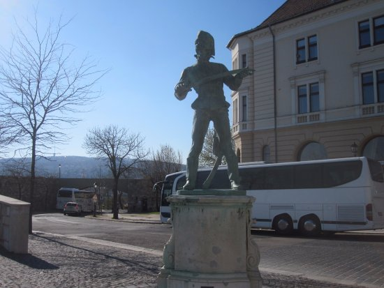 Statue of Old Hussar