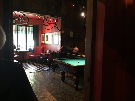 Pool Table At Sweetieu0027s Art Bar