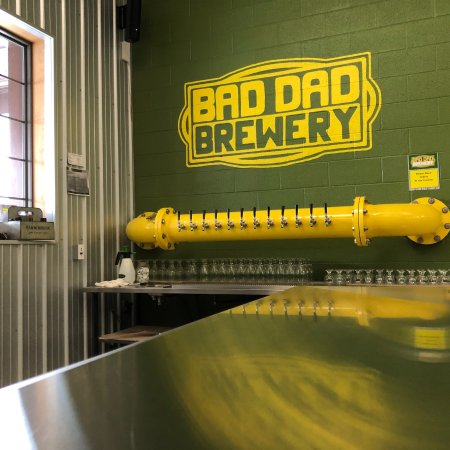 Fairmount, IN: Bad Dad Brewery