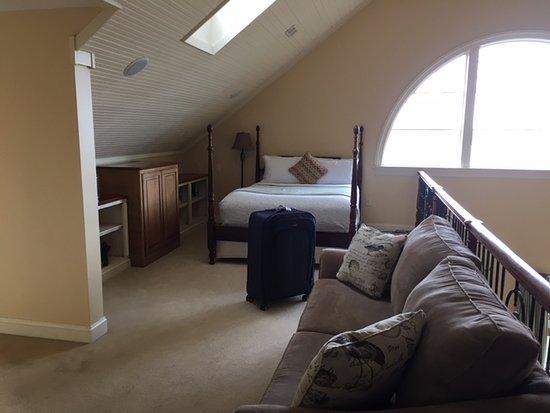 Great Oak Manor: Loft bed