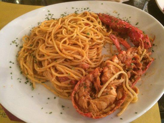 Ristorante Pizzeria Al Bacco Felice: Spaghetti with 1/2 Lobster - salty!