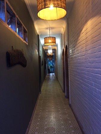 The Yoga Barn Guest House: Hotel Room Corridor