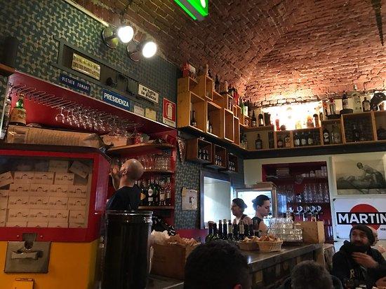 Interno del locale foto di da cianci piola caffe torino for Quattro ristoranti torino