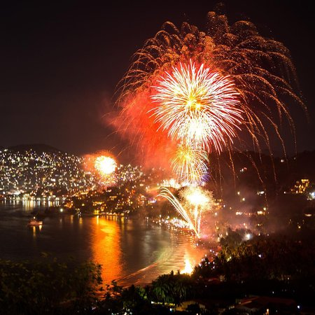 La Escollera: New Year's fireworks!