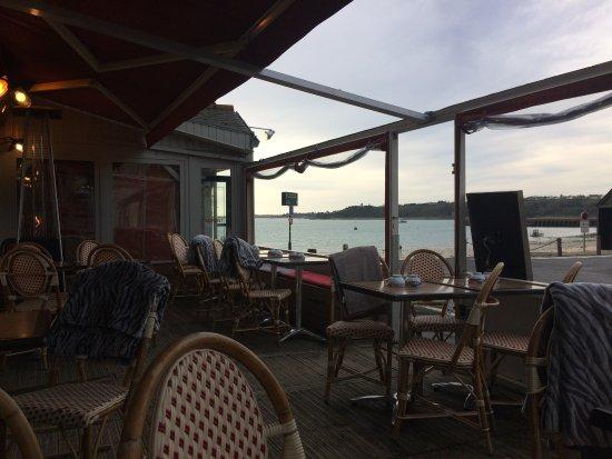 terrasse chauffage et couverture - Picture of Le Tourmentin ...