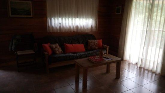 Akapana Suites: Excelente iluminación de la habitación con sistema blackout